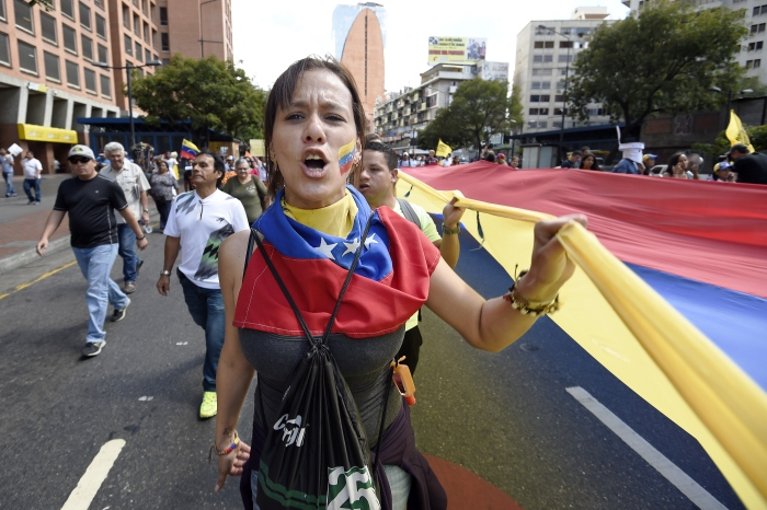 A un año del caos, Venezuela sigue encrisis